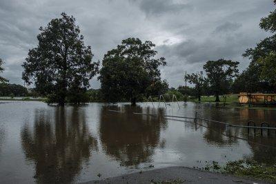 Частична евакуация в някои щати в САЩ заради урагана Сали