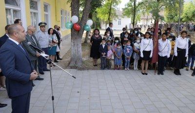 Радев: Образованието трябва да се превърне в национален стратегически приоритет