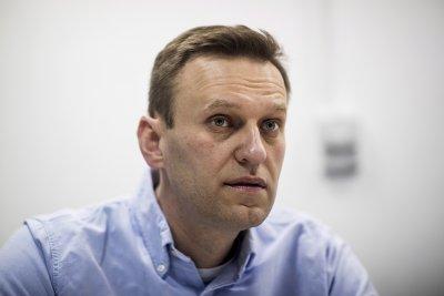 """""""Шпигел"""": Навални вече може да говори. Говорителката му отрича"""