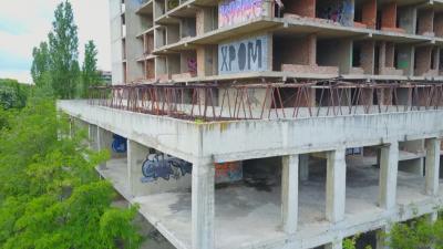 Събарят старата сграда и правят нова модерна детска болница (Обзор)