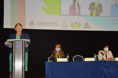 Сачева: Професиите на бъдещето са в образованието, здравеопазването и социалните услуги