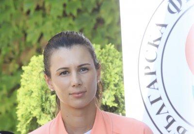 Цвети Пиронкова се прибра в България, D2 я изненадаха с песен