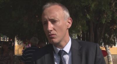 Министър Вълчев в първия учебен ден: Най-трудно е за училищата с деца от уязвими групи