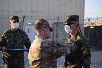 """Наши военнослужещи с медали за участие в мисията на НАТО """"Решителна подкрепа"""""""