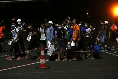 Нов пожар в Мориа: Временно мигрантите се настаняват на кораби и по близки пристанища
