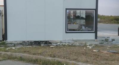 Шофьорът без книжка, забил колата си в стена на заведение във Варна, е освободен
