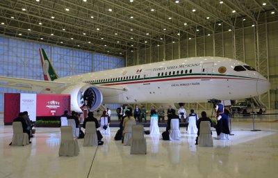 Разиграха на лотария самолета на мексиканския президент