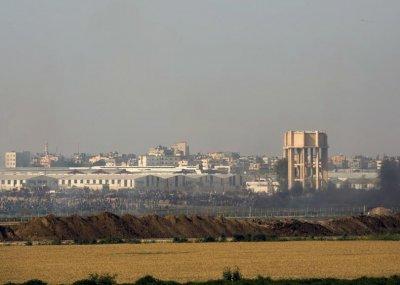 Израел бомбардира ивицата Газа