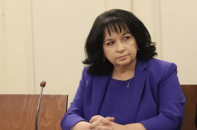 """Петкова: Строежът на """"Белене"""" ще продължи, откъдето е спрял"""