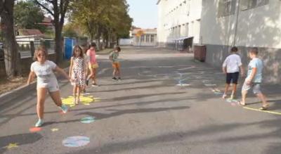 Изолация под формата на игра в монтанско училище