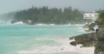 Ураганът Теди се образува в Атлантическия океан