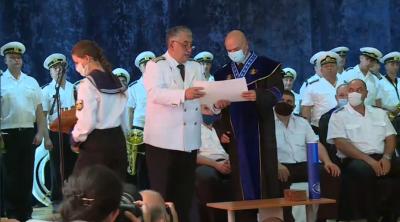 """Ген. Мутафчийски получи звание """"Доктор Хонорис кауза"""" от Военноморското училище във Варна"""