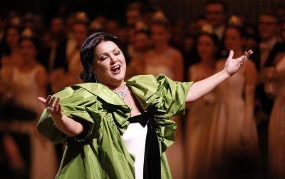 Руската оперна звезда Анна Нетребко е с коронавирус