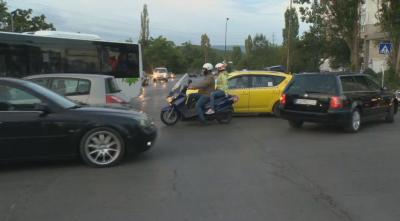 """Промяна на движението в столичния жк """"Люлин"""" обърква шофьорите"""