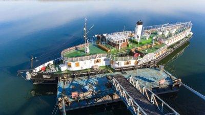 """Откриват обновения параход """"Радецки"""", експерти от НИМ подновяват експозицията на кораба"""