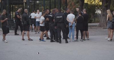 Група младежи замеряха с яйца минувачи в Пловдив