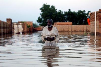 ООН: Над 830 000 души са засегнати от наводненията в Судан