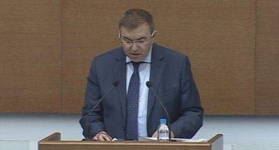 Здравният министър към депутати без маски: Трябва да даваме пример на учениците и всички хора