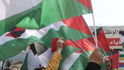 15 години по-късно: Съперниците в Палестина се споразумяха за нови избори