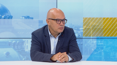Тихомир Безлов: Важно е какво ще се случи с възрастните учители, те са действително рискова група