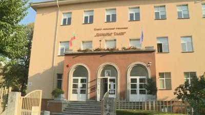 8 паралелки от Гимназията по строителство в Благоевград са под карантина