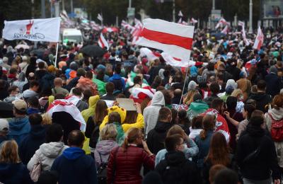 Над 100 000 души протестираха в Беларус