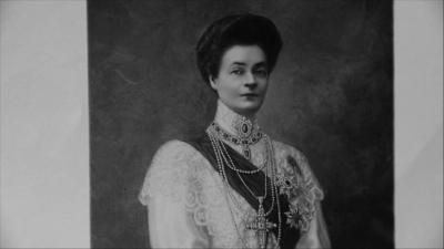 Царица Елеонора - необичана от Фердинанд, обичана от народа
