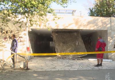 По чудо няма пострадали при срутването на таван на подлез във Варна