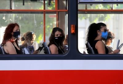 Отново масови проверки за носенето на маски в градския транспорт в София