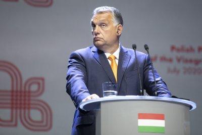 Орбан призова за оставката на Вера Йоурова