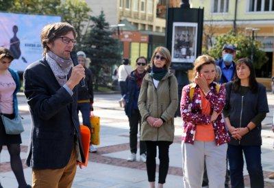 Възстановяват паметната плоча пред софийския дом на Николай Лилиев