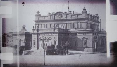 Историята на емблематичните сгради на Народното събрание и на бившия Партиен дом
