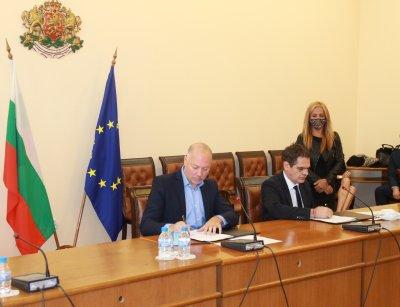 Министър Борисов: Близо 140 млн. лв. са изплатени на микро и малки предприятия заради последствията от COVID-19