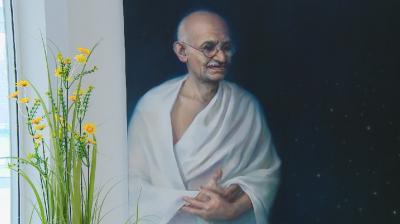 Български художници и скулптори представиха творби, вдъхновени от Махатма Ганди
