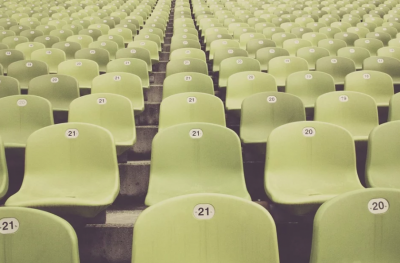 Със заповед на здравния министър: Разрешават публика на спортните състезания на закрито