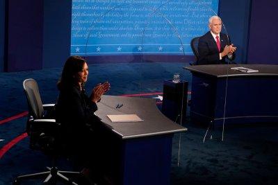 Дебатът Пенс-Харис: Без морален победител, но и без скандали