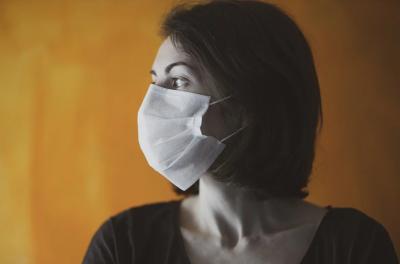 """СЗО: Пандемията има """"опустошително въздействие"""" върху психичното здраве"""