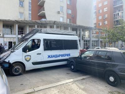 Арестуваха над 20 души от група за рекет и търговия с наркотици в София (ОБЗОР)