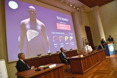 Откривателите на Хепатит С получават тазгодишната Нобелова награда за медицина