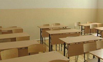 """От днес учениците от училище """"Райчо Каролев"""" в Габрово отново са в клас"""