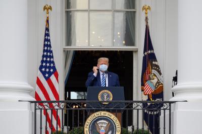 Сравняват с предизборен митинг първата изява на Тръмп след COVID-19