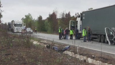 Задържан е шофьорът на тира от тежката катастрофа край Лесово