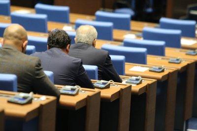 Заради кратката програма на депутатите, БСП обяви състава на НС за изчерпан