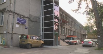 В болниците в Гоце Делчев и Петрич няма свободни легла за пациенти с COVID-19