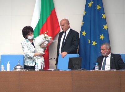 Депутатите отхвърлиха искането за оставка на Цвета Караянчева