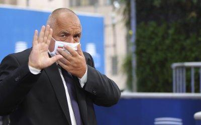 Бойко Борисов: Дистанцията, дезинфекцията и носенето на маски са достатъчни, за да се предпазим