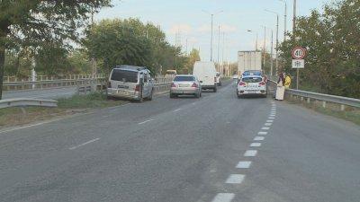 Бус и камион се сблъскаха на булевард в Русе