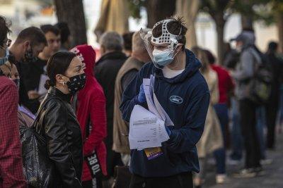 Средно на ден 100 000 души в Европа се заразяват с коронавирус