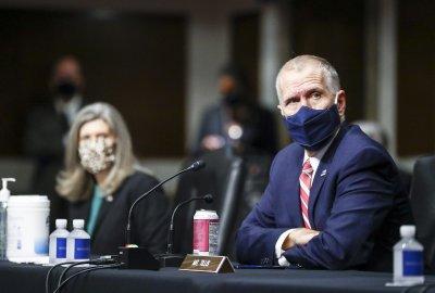 Правната комисия в американския сенат подкрепи съдия Барет