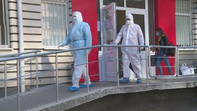 Санкционират болниците, ако върнат пациенти с COVID-19